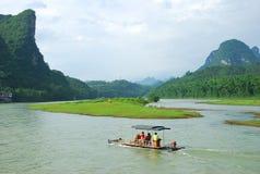 Lijiang River landskap i Guilin, Kina Fotografering för Bildbyråer