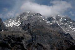 Lijiang Twp, Chine : Montagne de neige de dragon de jade Images libres de droits