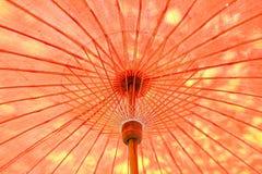 Binnen van houten paraplu Stock Afbeeldingen