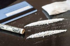 Lijn twee van cocaïne stock afbeelding