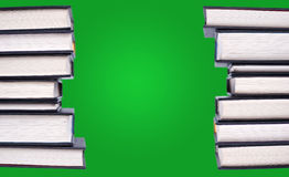 Lijn van hardcoverboeken Stock Afbeeldingen