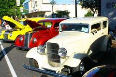 Lijn van Oude Auto's Stock Afbeeldingen