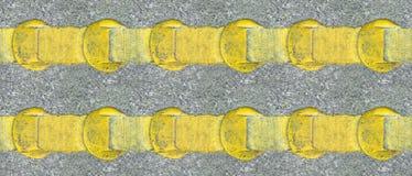 Lijnen van de asfalt de gele weg Stock Afbeeldingen