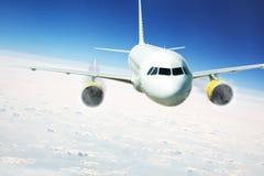 Lijnvliegtuig tijdens de vlucht royalty-vrije stock foto