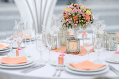 Lijst die voor een van het gebeurtenispartij of huwelijk ontvangst wordt geplaatst Royalty-vrije Stock Fotografie