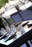 Lijst in een restaurant wordt geplaatst dat Royalty-vrije Stock Afbeelding