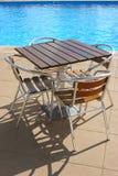 Lijst en stoelen Stock Foto's