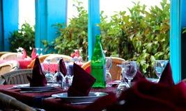 Lijst klaar wachten voor mensen aan lunch Royalty-vrije Stock Foto's