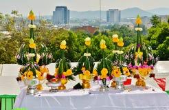 Lijst urashenny voor Boeddhistische ceremonie op de achtergrond van Phuket-Stad Royalty-vrije Stock Foto