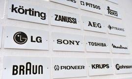 Lijst van elektronikamerken en de bedrijven van de consument stock foto's