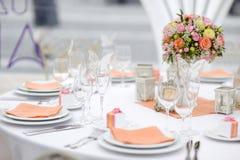 Lijst voor een van het gebeurtenispartij of huwelijk ontvangst wordt geplaatst die Royalty-vrije Stock Fotografie