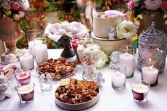 Lijst voor thee prachtig wordt gelegd die Stock Fotografie