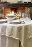 Lijst voor warm diner Royalty-vrije Stock Foto's