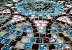 Lijstoppervlakte van glasmozaïek dat wordt gemaakt royalty-vrije stock afbeelding