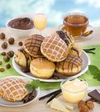 Likör- und Schokoladenschaumgummiringe stockfotografie