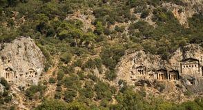 Likijsky tombs på floden Daljan, Turkiet Arkivbild