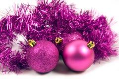 Lilac Kerstmisdecoratie op een witte achtergrond Stock Afbeelding