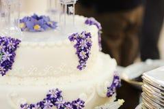 Liliac on Wedding Cake Royalty Free Stock Photography
