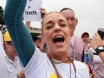 Lilian Tintori-vrouw van gevangen gezette Venezolaanse oppositieleider Leopoldo Lopez stock foto's