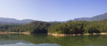 Lilla Dragon Lake i XiaMen fotografering för bildbyråer