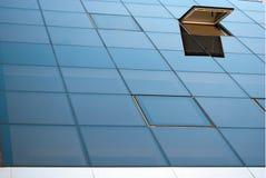 lilla fyrkantiga fönster Royaltyfri Bild