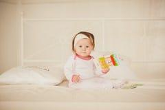 lilla pajamas för flicka fotografering för bildbyråer