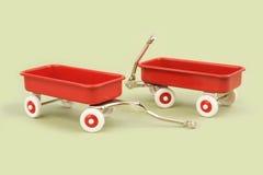 lilla röda vagnar arkivfoto