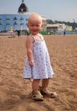 lilla sandals för stor flicka Royaltyfri Bild