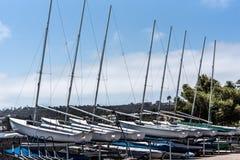 lilla segelbåtar royaltyfria bilder