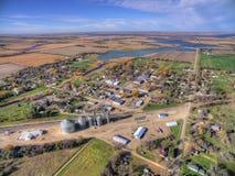Lilla staden Willow Lake i lantliga South Dakota fångade med surret arkivfoton
