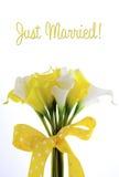lilly婚姻花束的黄色和白色题材水芋属 免版税库存图片