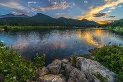 Lilly Lake au coucher du soleil - le Colorado photographie stock