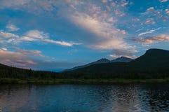 Lilly Lake bij de tijd-Tijdspanne van Zonsondergangcolorado stock videobeelden