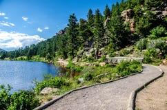 Lily湖洛矶山国家公园科罗拉多足迹 免版税库存照片