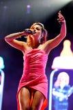 Lily Allen (chanteur célèbre) exécute au festival de BOBARD Photos stock
