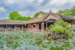 Lily Pond bij Graf van Keizer Minh Mang, Vietnam royalty-vrije stock afbeeldingen