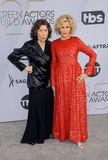 Lily Tomlin och Jane Fonda royaltyfri bild