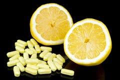 Limão com comprimidos Foto de Stock Royalty Free