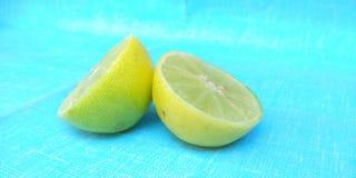Limão cortado Imagem de Stock
