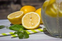Limão e limonada Imagens de Stock Royalty Free