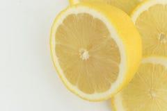 Limão fresco no fundo branco fotografia de stock