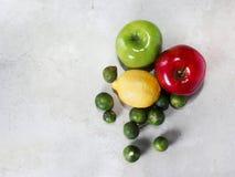 Limão, maçãs Fotos de Stock Royalty Free