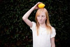 Limão na cabeça Fotografia de Stock