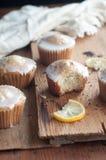 Limão Poppy Seed Muffins Imagem de Stock Royalty Free