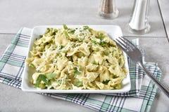 Limón Basil Pasta Salad Foto de archivo