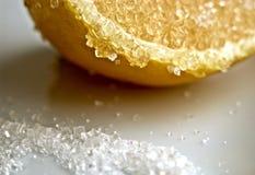 Limón con el azúcar Imágenes de archivo libres de regalías