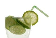 Limón en agua Imagen de archivo libre de regalías