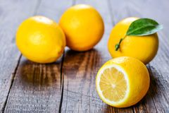 Limón, la mejor vitamina natural Imagen de archivo libre de regalías