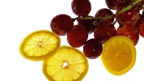 Limón y aún imagen de la vida de uvas Imagen de archivo libre de regalías
