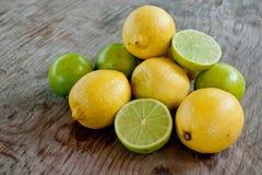 Limón y cales Fotos de archivo libres de regalías